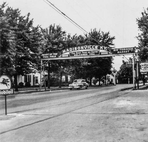 Madisonville, Kentucky (1952).