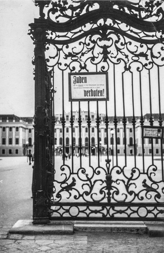 Juden Verboten - Schönbrunn Palace, Vienna, Austria (May 1945)